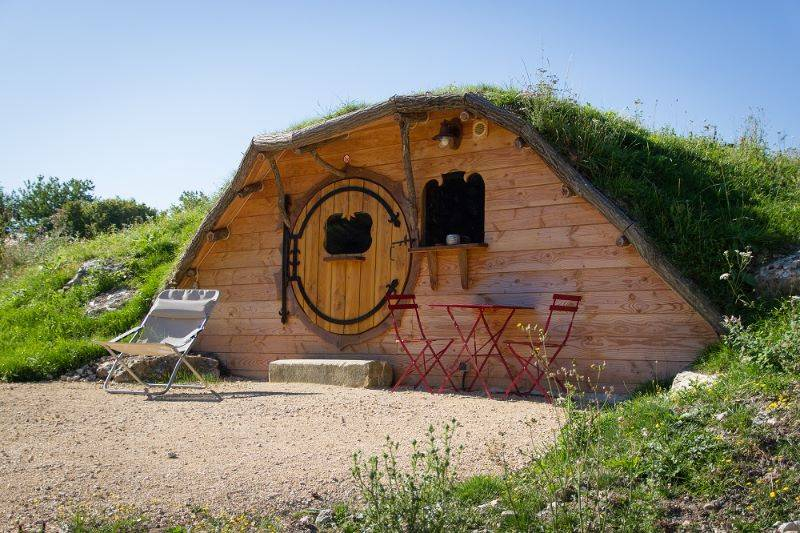 location huttes v g talis es touraine domaine de la roche bellin touraine. Black Bedroom Furniture Sets. Home Design Ideas