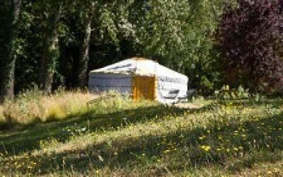 domaine-de-la roche-bellin-hebergement-insolite-yourte-traditionnelle-mongole-touraine-loire-france 25.jpg