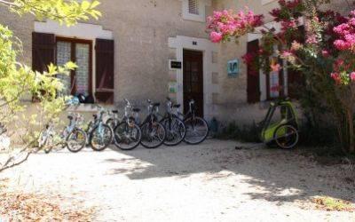 Location de vélos au Domaine de la Roche Bellin.jpg