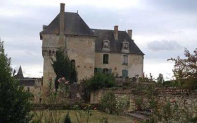 Château-proche Domaine de la Roche Bellin.JPG