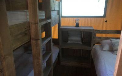Intérieur lodge enfant chambre
